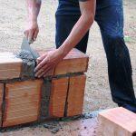 Budowa domu w kilku istotnych krokach, o których trzeba wiedzieć