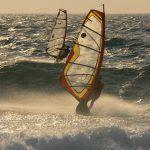 Sporym powodzeniem cieszy się kurs windsurfingu